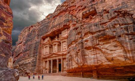Маршрут-путешествия-по-Иордании-от-Аммана-до-мертвого-моря,проходящего-через-чудо-Петры