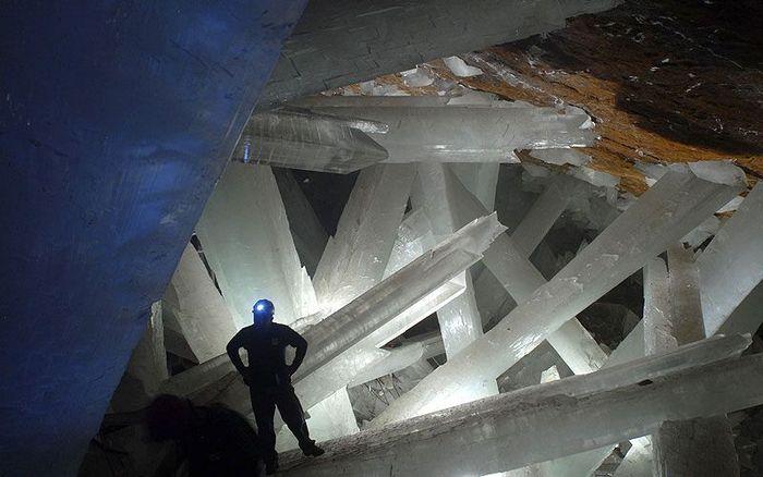 """Пещера """"Сикстинская капелла кристаллов"""". Мексика"""