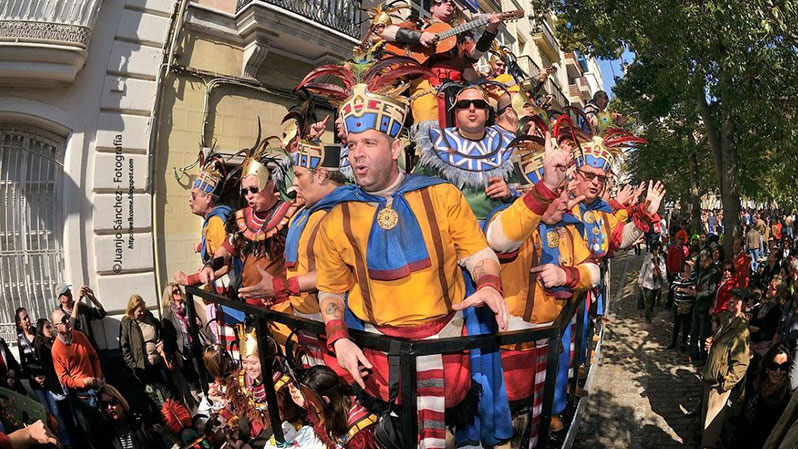 ТОП-10 самых красивых и популярных карнавалов нашей планеты.Карнавал в КАДИСЕ.