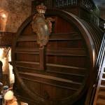 Самая большая винная бочка находится в Гейдельбергском замке