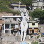 """Композиция """"Ла Мона"""" в Тихуане. Мексика"""