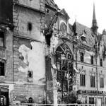 Астрономические часы Оломуца после бомбежки в 1945г.