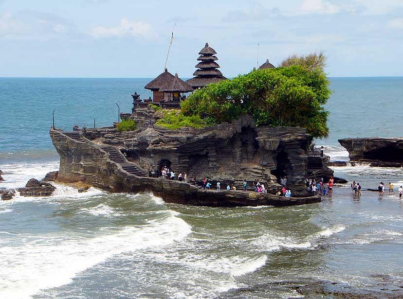 Храм Танах Лот, Бали. Индонезия