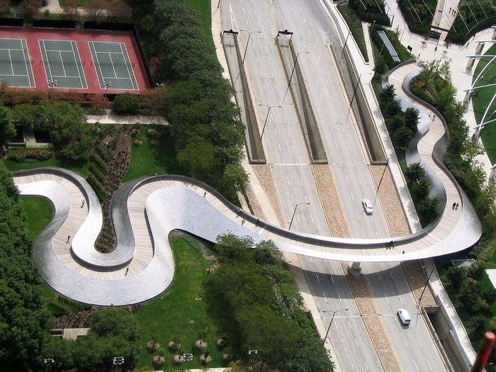 Пешеходный мост Бритиш Петролеум в Чикаго