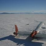 Обломки самолета, врезавшегося в вулкан Эребус.
