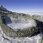 """Застывшая """"вулканическая бомба"""" на вулкане Эребус. Антарктида"""