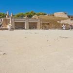 Центральный вход Кносского дворца на Крите
